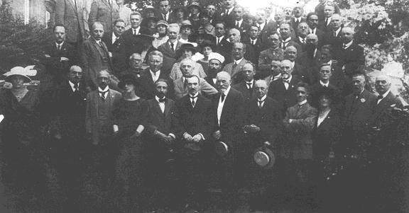 Premier Congrès de Recherches Psychiques, en 1921, à Copenhague, auquel assistèrent un certain nombre de membres de l'IMI