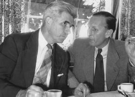 J.B. Rhine et H. Bender lors de la cérémonie d'ouverture de l'IGPP