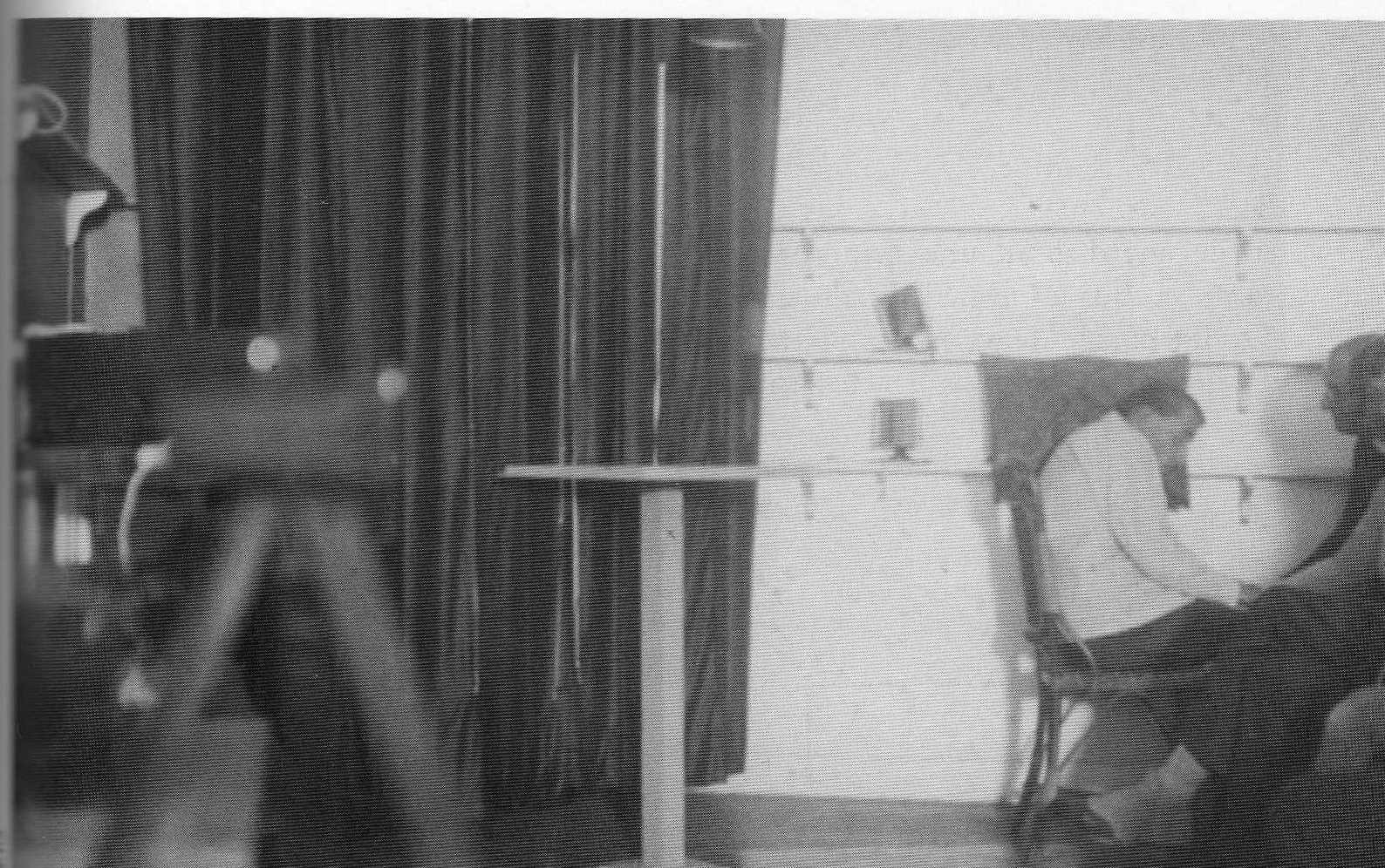 L'une des premières photogaphies prises automatiquement par le dispositif de sécurité mis en place par Eugène Osty